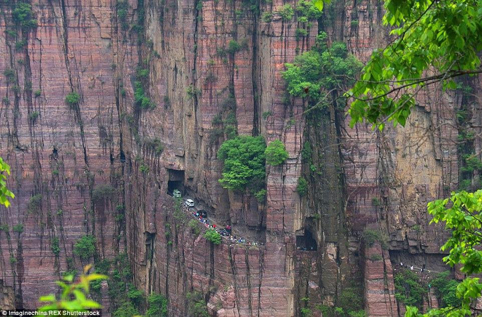 285E511100000578-3070211-The_road_is_located_in_Henan_Province_and_is_carved_out_of_the_s-a-13_1430919594334